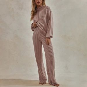 Knitted track suit